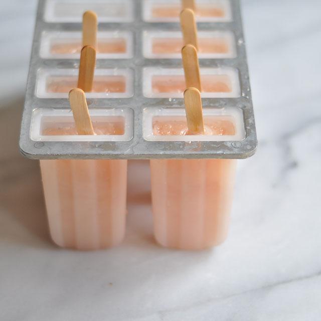 Three Ingredient Grapefruit Popsicles / Paletas