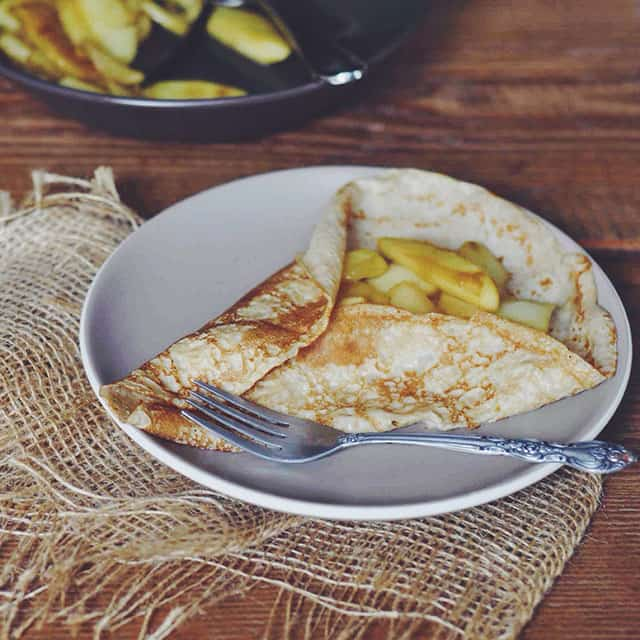 Crepes with Vanilla-Maple Apples
