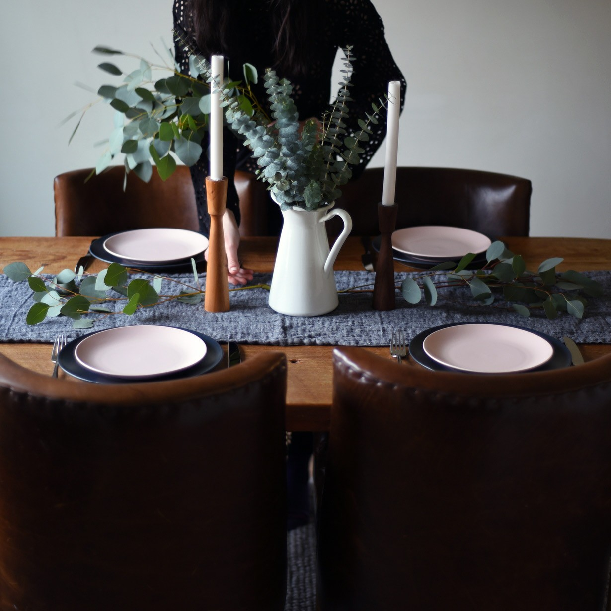 Having people over should be fun, not stressful. We've got you covered with 5 fun ideas for throwing a dinner party that's easy, laid back, but still feels like a million bucks. Read on to learn more.