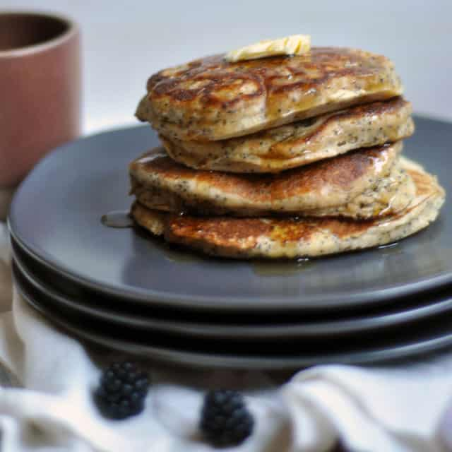 poppyseedpancakes 2 Whole Wheat Almond Poppy Seed Pancakes: Make Plans