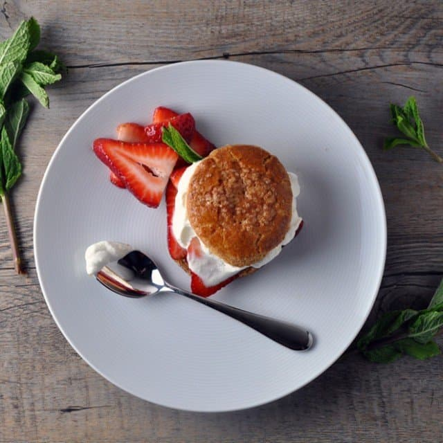 strawberry shortcake 640x640 28 is the New Black: Happy Birthday Balsamic Strawberry Shortcakes